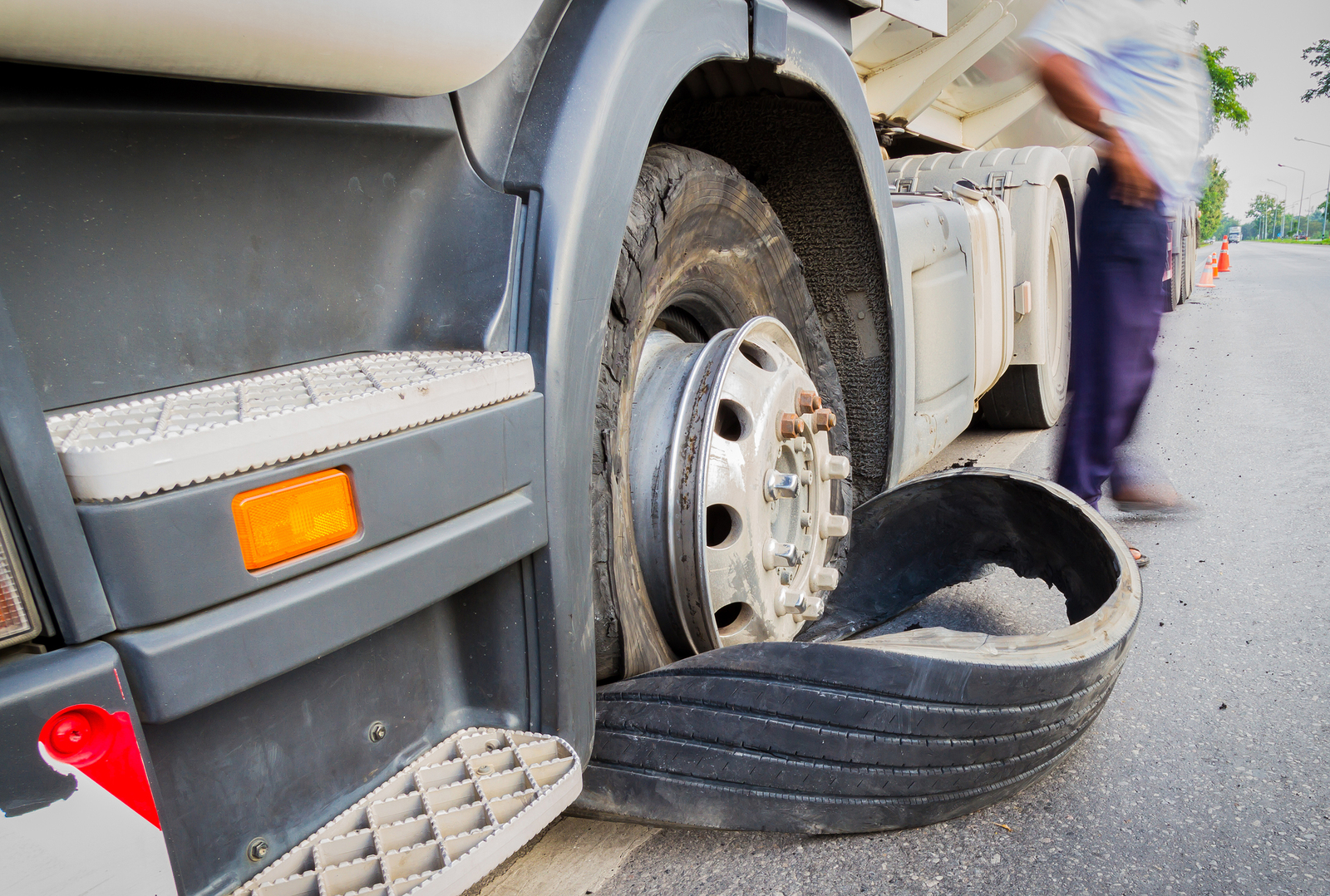 commercial trucks and mechanical failure